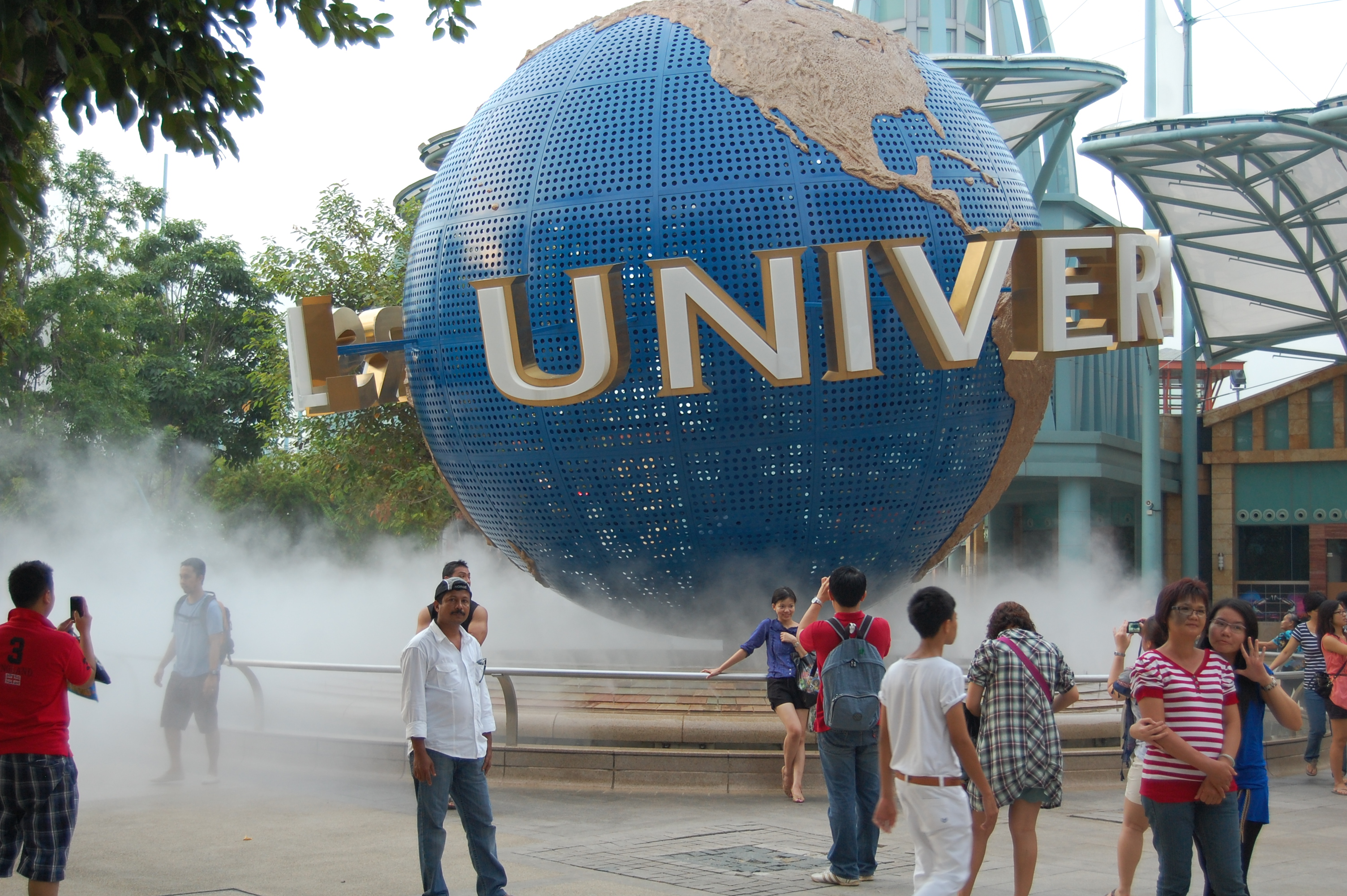 Universal_Studio_Singapore_moved_logo_(91)